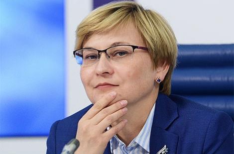 Авторы закона об изоляции интернета- Людмила Бокова