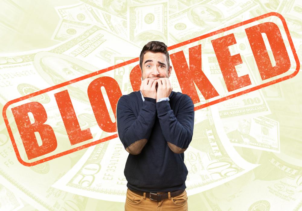 Блокировка счета в платежной системе